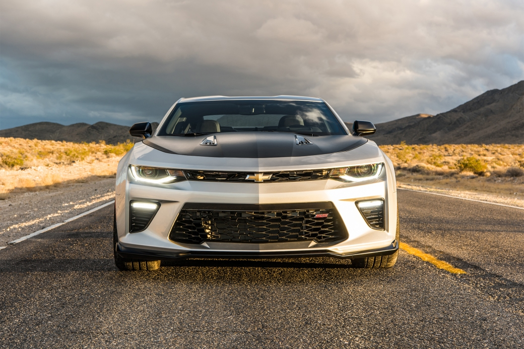2017-Chevrolet-Camaro-SS-1LE-front-view-01