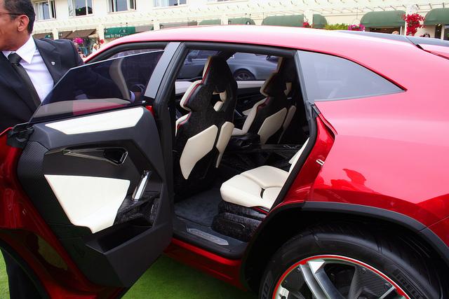 lamborghini-urus-rear-passenger-door