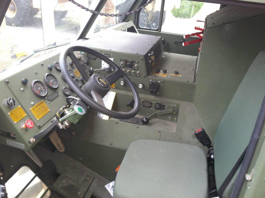 Oshkosh-M985-8x8-interior-900x672